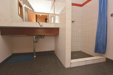 Bungalow accommodation bathroom